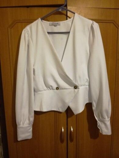 Conmoto Elegant Solid Women Blouse Shirts Vintage Retro Peplum White V Neck Female Blouses Puff Casual Blusa Mujer photo review