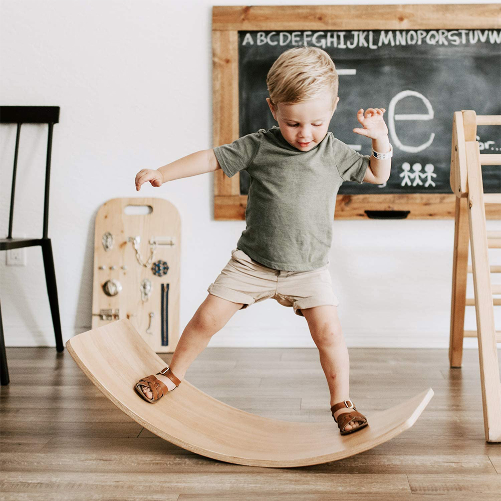 Kids Wooden Balance Board Children Curved Seesaw Yoga Fitness Baby Indoor Toys Boy Outdoor Sports Equipment Z001