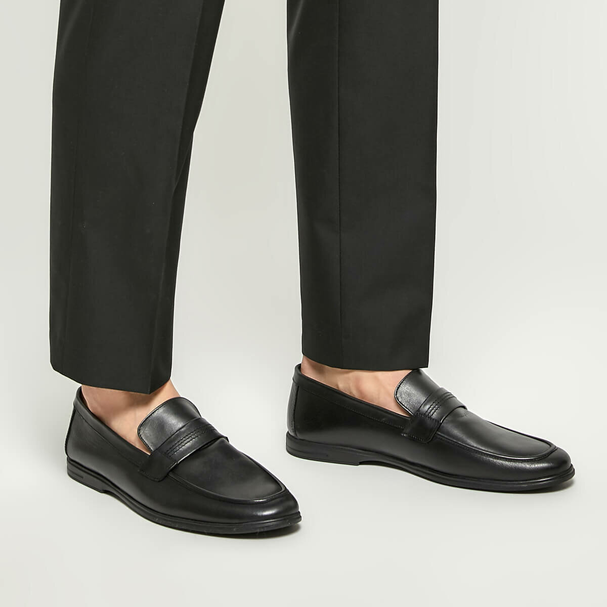 FLO 3892 Black Men 'S Classic Shoes Garamond