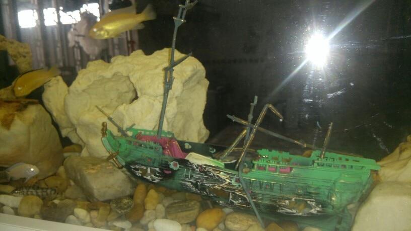 Décoration bateau en plastique pour Aquarium