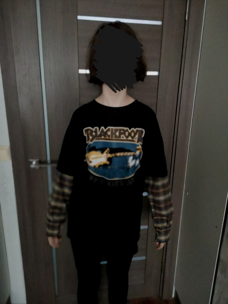 Оversized t-shirt with plaid Long Sleeves E-girl photo review