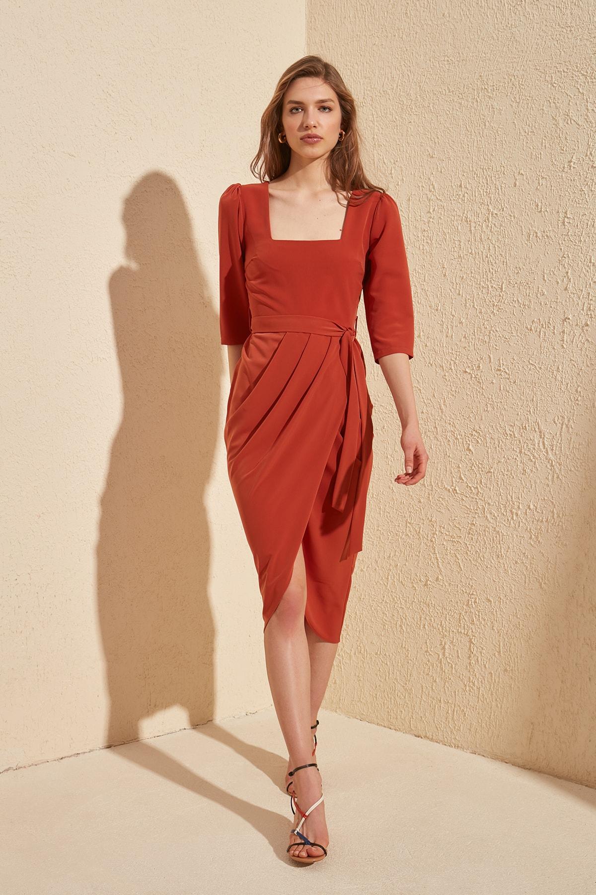 Trendyol Belted Dress TWOSS20EL0588
