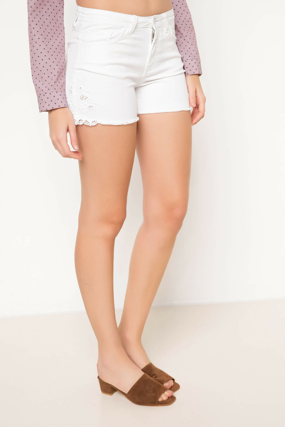DeFacto Women Fashion Short Pants Female Casual Slim High Quality Shorts Summer Simple Joker White - H8891AZ17HS