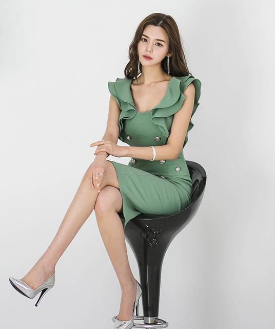2021 summer women's dress, Korean version, slim fit, ruffle, double breasted, buttocks, thin, medium and long bottomed dress 2