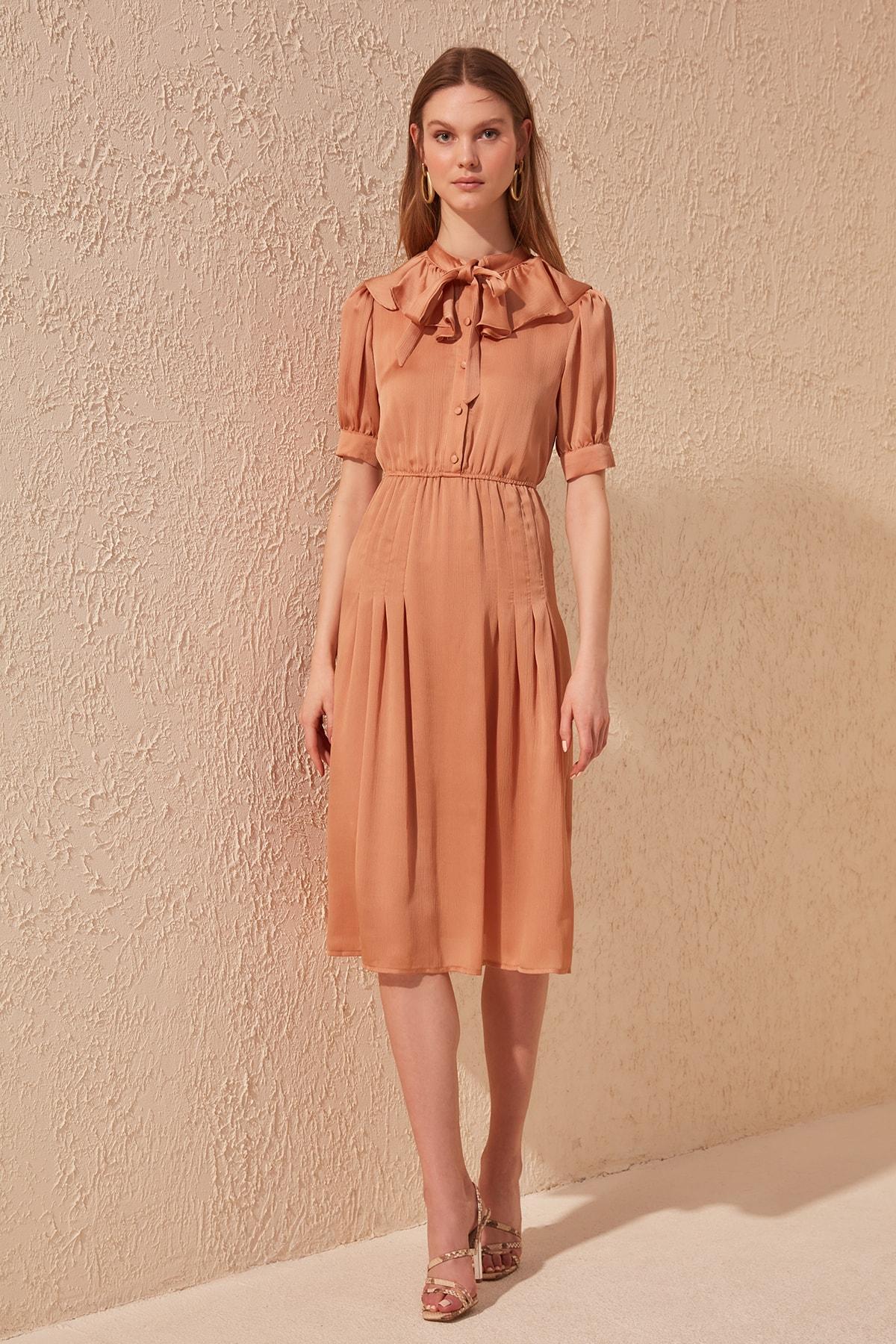 Trendyol Scarf Collar Dress TWOSS20EL1013