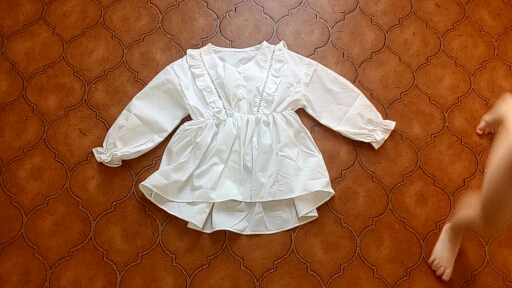 2020 Spring Autumn Fashion 2 3 4 6 8 10 Years Kids Cute Long Trumpet Sleeve V-Neck Cotton White Blouse Shirts For Baby Girls photo review