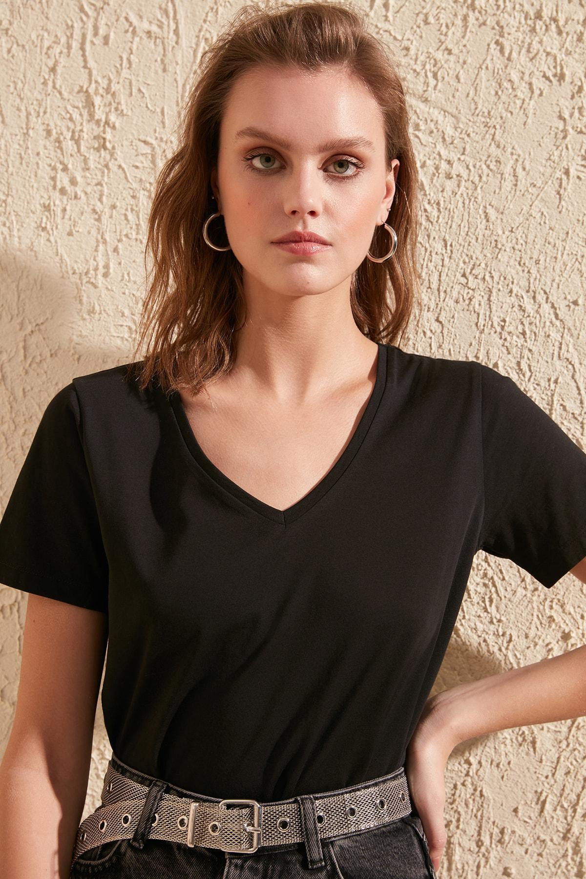 Trendyol 100 Cotton Single Jersey V-Neck Basic Knitted T-Shirt TWOSS20TS0129