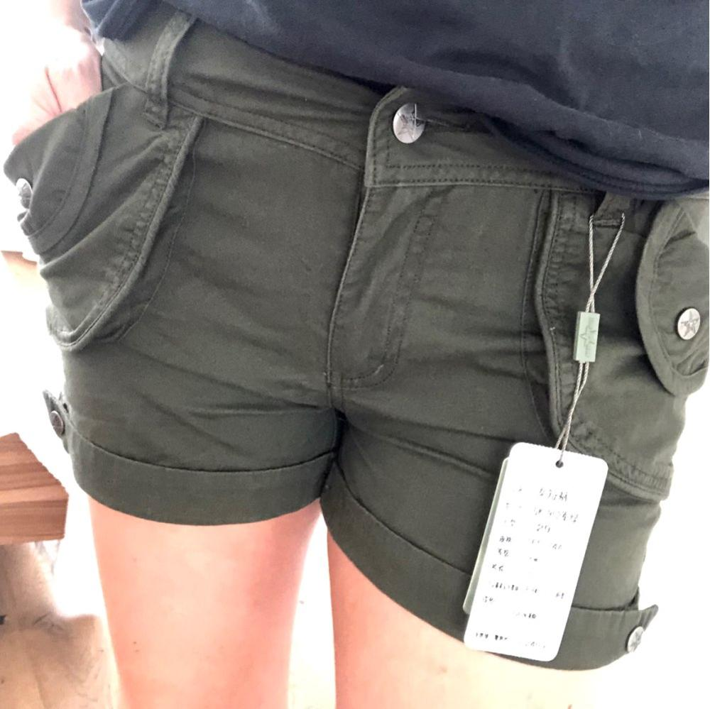 Brand Laides Shorts Women Casual Shorts Loose Pockets Zipper Military Army Green Large Summer Ladies Shorts Outdoors Plus Size photo review