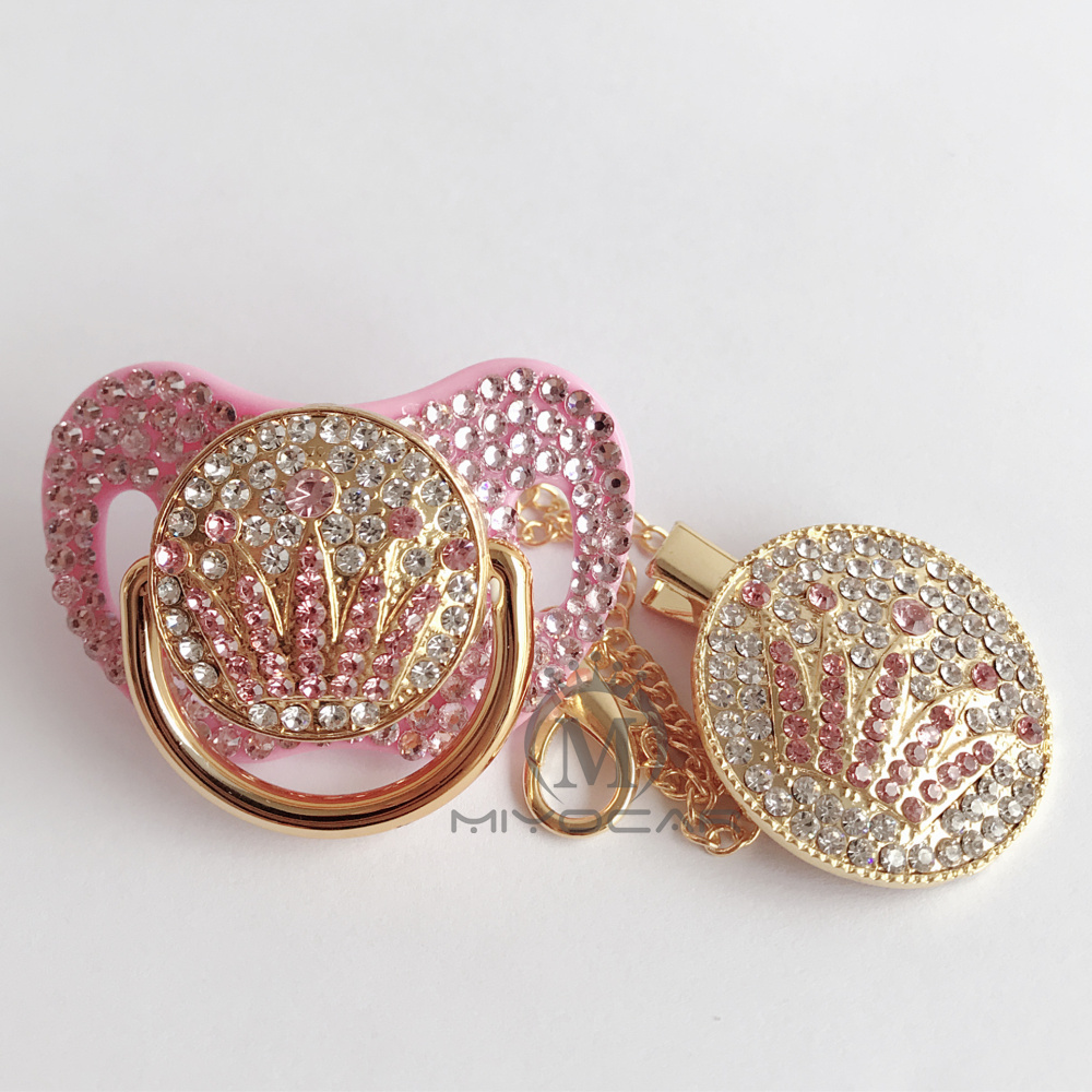 Купить с кэшбэком MIYOCAR bling bling pink stones crown pacifier dummy and pacifier clip and holder set BPA free FDA grade unique pacifier dummy