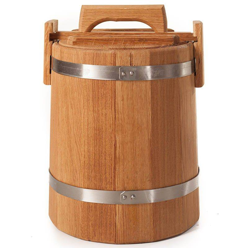 The oak barrel for pickling cucumber, tomato and apples, image