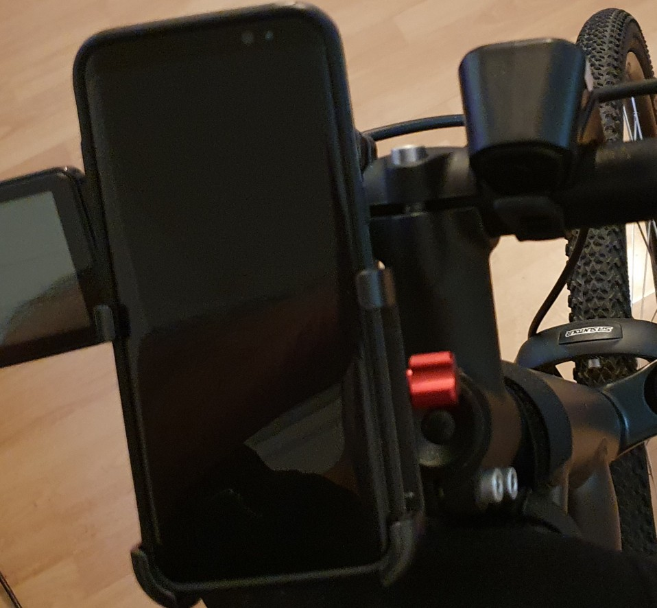 Adjustable Aluminum Bicycle Phone Holder photo review