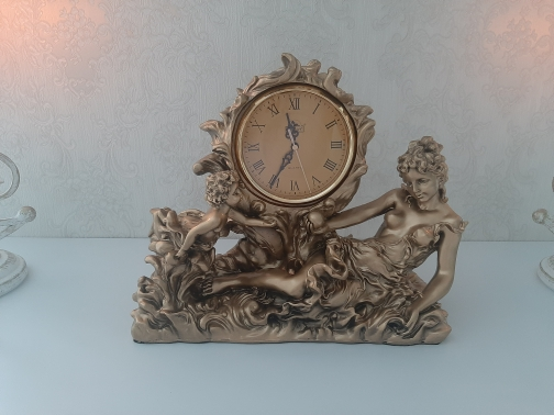 European Fashion Home Decor Golden Antique Clock Resin Crafts Table Clock Goddess & Angels Statue Clock