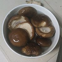 〔一人食〕冬日暖暖虫草菇骨汤的做法图解3