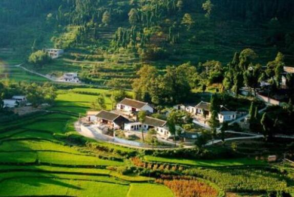 山水让乡村更美好乡村让人们更向往