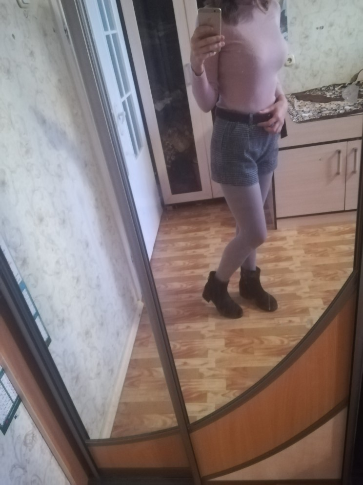 Autumn Winter Wool Shorts Women Korean High Waist Plaid Wide Leg Shorts Femme Casual Loose Boots Shorts photo review