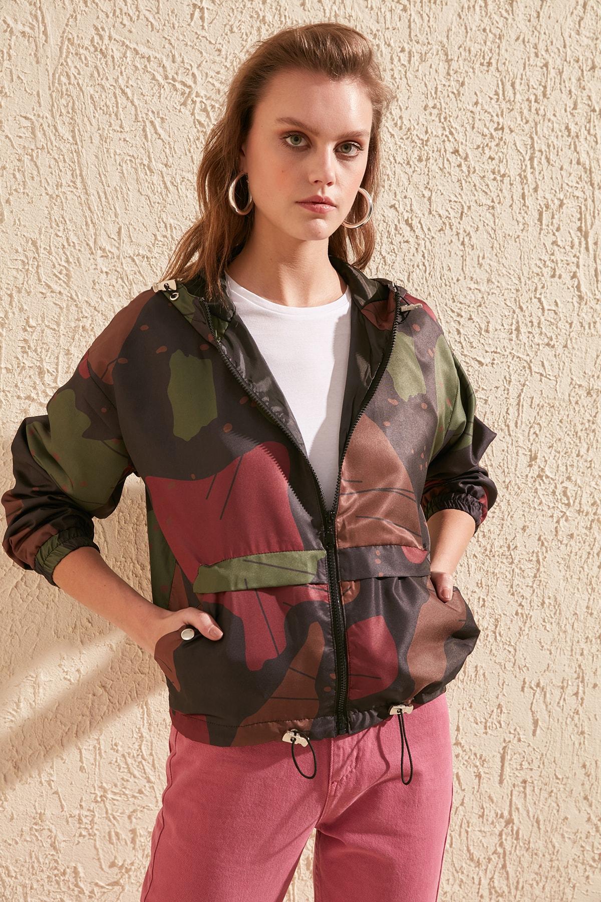 Trendyol Camouflage Print Hooded Coat TWOSS20MO0040