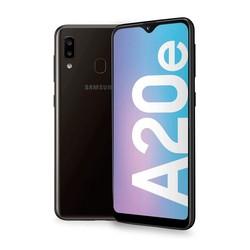 Samsung Galaxy A20e-ЖК-дисплей 5,8 дюймHD + Прямая Notch-3 ГБ + 32 Гб (+ microSD, но не более чем на 1 ТБ)-5/8 + 13 Мп-3000 мА · ч (быстрая зарядка 15 Вт)