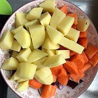 胡萝卜土豆炖牛腩的做法图解3