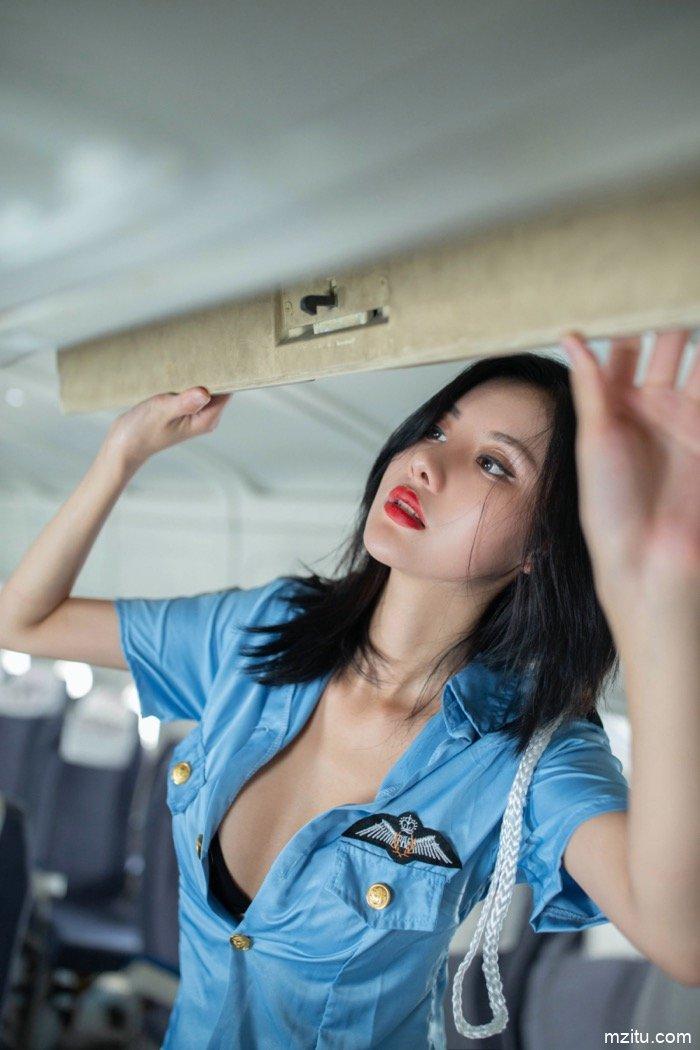 空姐制服 请感受御姐阿朱极致的挑逗与诱惑