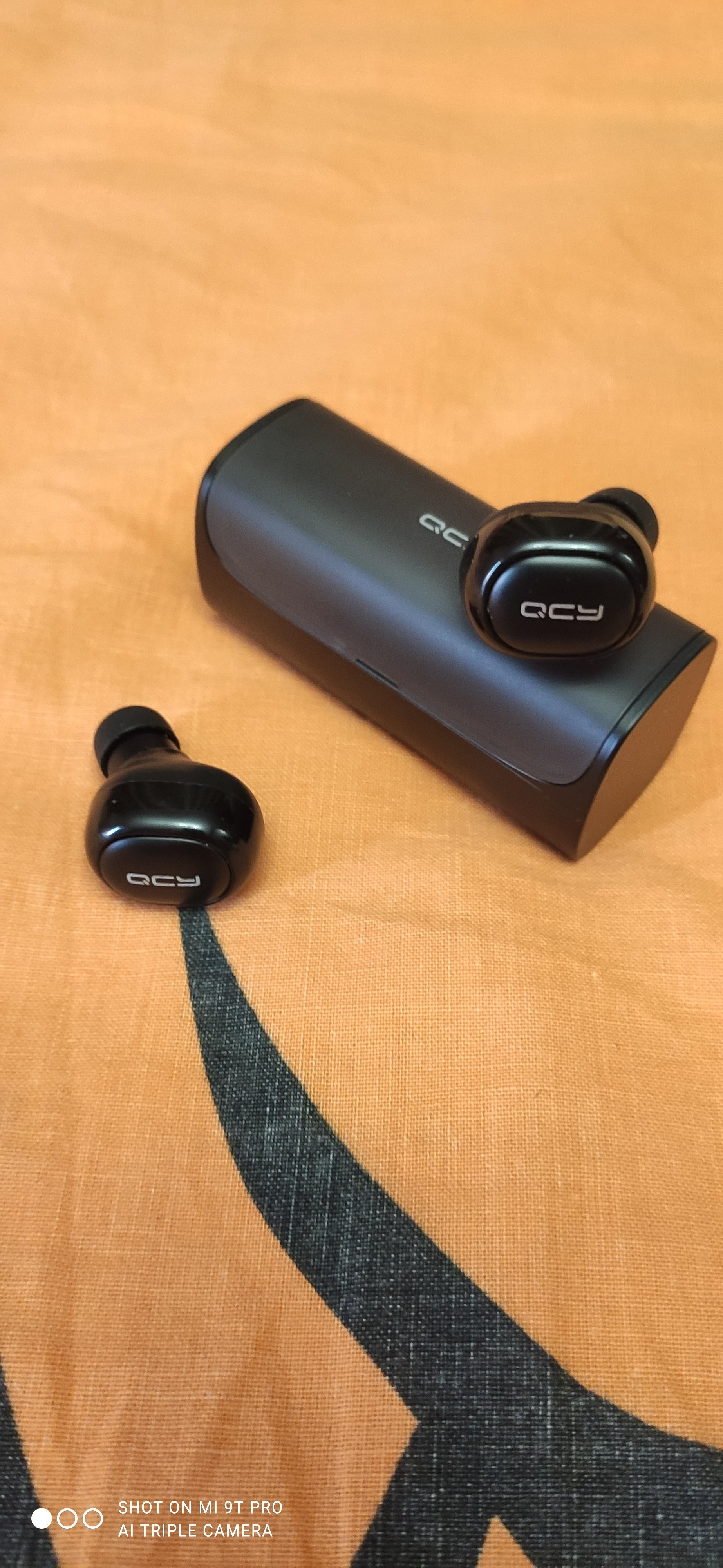 QCY Q29 TWS business Bluetooth earphones wireless 3D stereo headphones headset and power bank with microphone handsfree calls|headset bluetooth wireless|bluetooth earphonebusiness bluetooth earphones - AliExpress