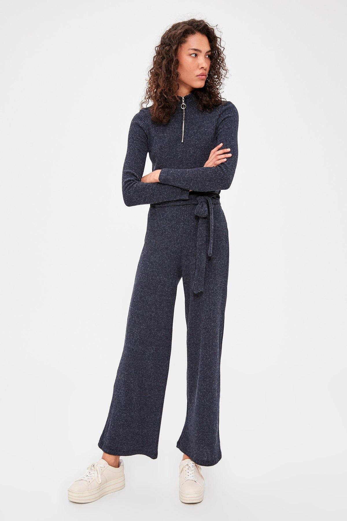 Trendyol Ribbed Knit Pants TWOAW20PL0254
