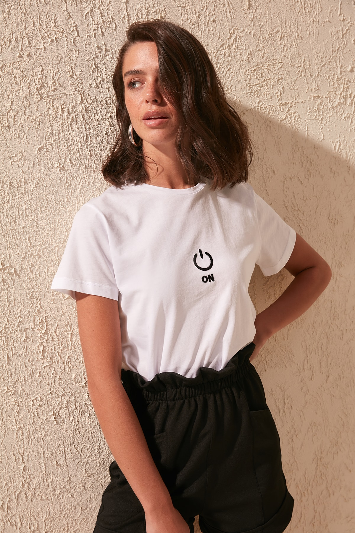 Trendyol Embroidered Basic Knitted T-Shirt TWOSS20TS0479