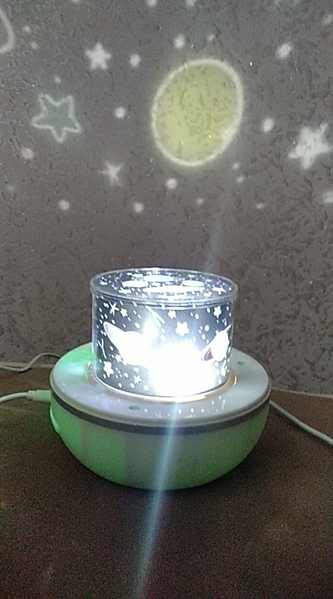 Night Light Projector with USB Cable Powered Starry Romance Rotating Projection Lamp for Kids Adults Bedroom Dec Christmas Gift