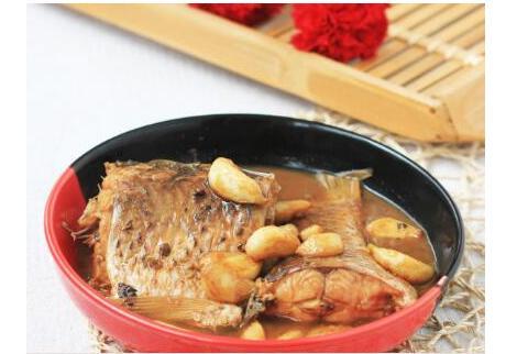 预防心血管疾病的食谱,教大家一道蒜香啤酒鱼-养生法典