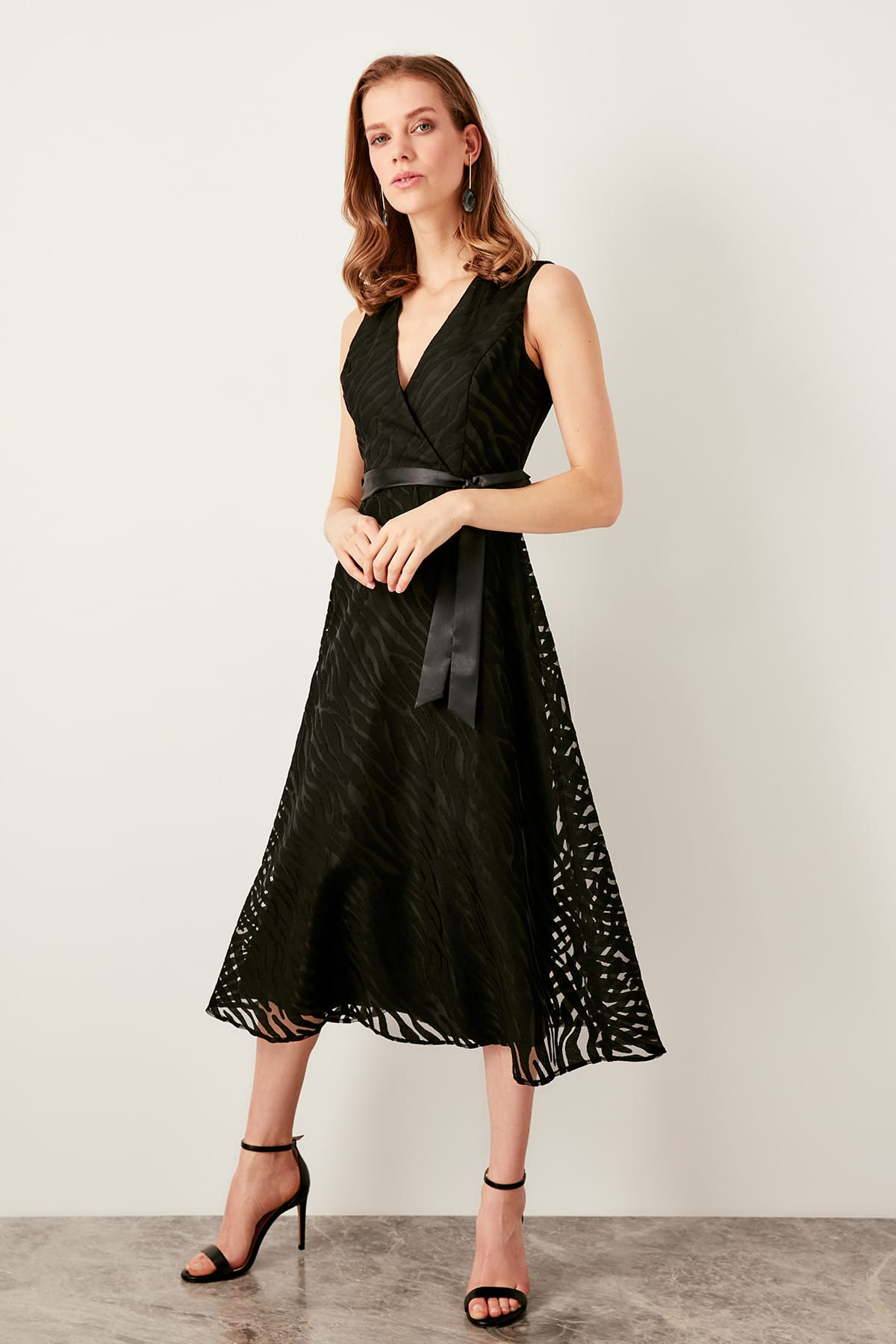 Trendyol Belted Burning Fabric Dress TPRSS19UT0096