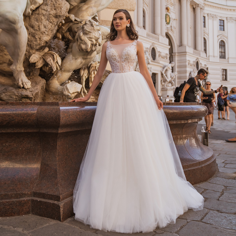 Delicate Boat Neck Sleeveless A-line Tulle Bridal Gowns White Ivory Crystals Bohemia Wediing GIwns Vestido de Novia
