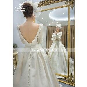 Image 3 - Атласное свадебное платье с длинным рукавом, винтажное платье принцессы с открытой спиной, ТРАПЕЦИЕВИДНОЕ ПЛАТЬЕ со шлейфом и пуговицами для невесты, vestido de noiva I195