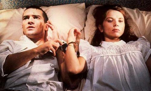 《捆着我,绑着我 ¡Átame! (1989)》