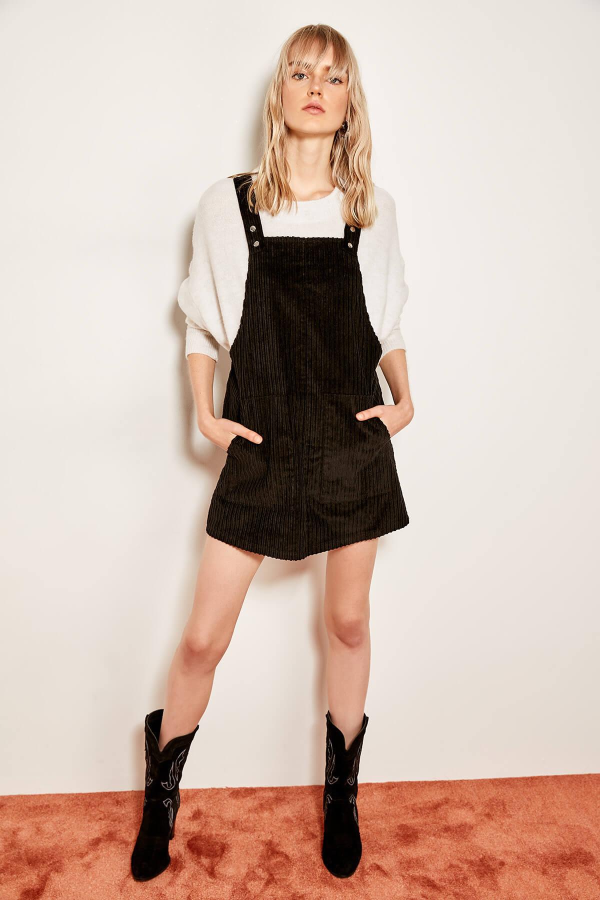 Trendyol Velvet Dress TCLAW19ST0177