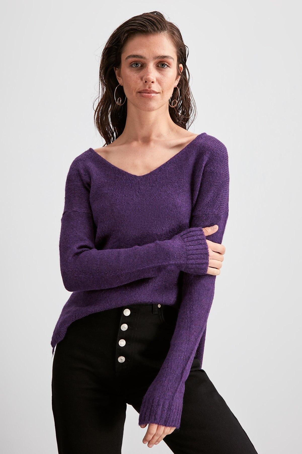 Trendyol V-Neck Knitwear Sweater TWOAW20KZ1225