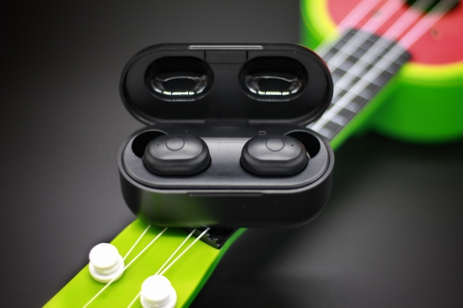 AUSDOM TW01 TWS Wireless Bluetooth Earphone 20H Play Time Wireless Headphone CVC8.0 Noise Cancelling Sport Earbuds With Dual Mic|Bluetooth Earphones & Headphones| |  - AliExpress