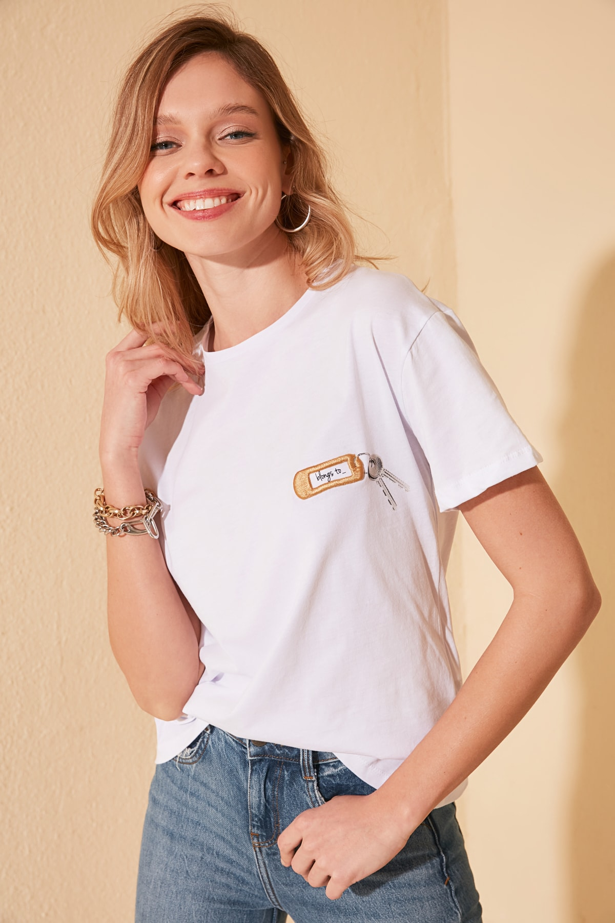Trendyol Embroidered Semifitted Knitted T-Shirt TWOSS20TS0723