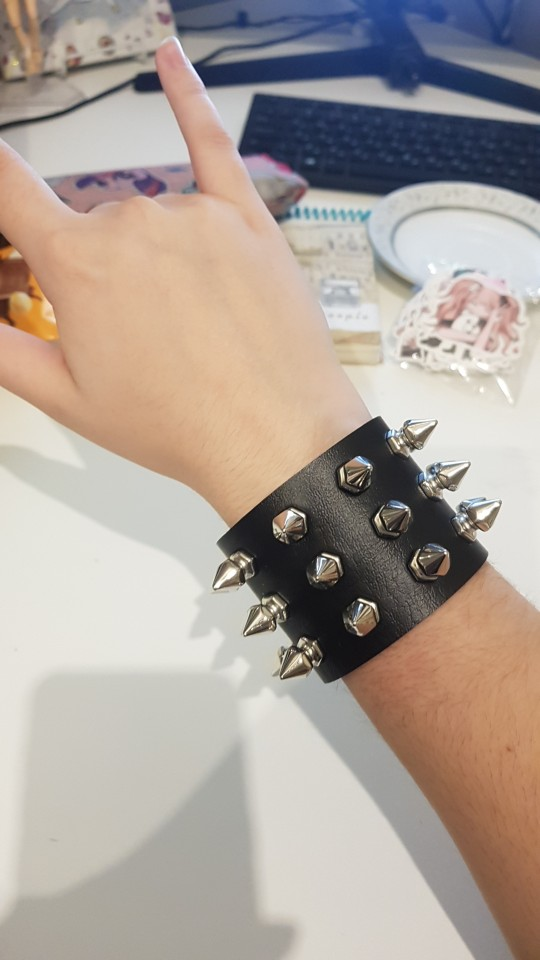 Gothic Punk Three Row Spikes Wristband photo review
