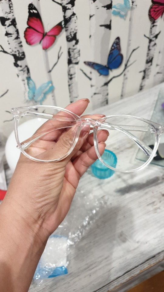 Transparent Anti Blue Light Round Frame Computer Glasses For Women and Men photo review