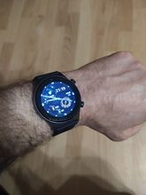 Good watch. Standard functionality. In the box, in addition to the clock, I was waiting fo
