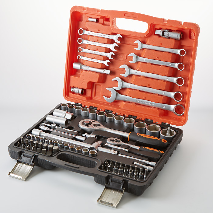Tool kit in case кузьмич 82 subject ник-015/82