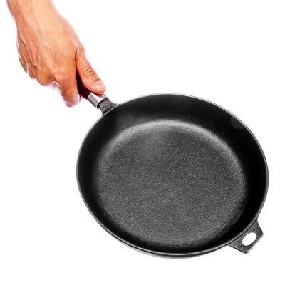 Сковорода чугунная d22\24\26 см деревянная ручка VETTA