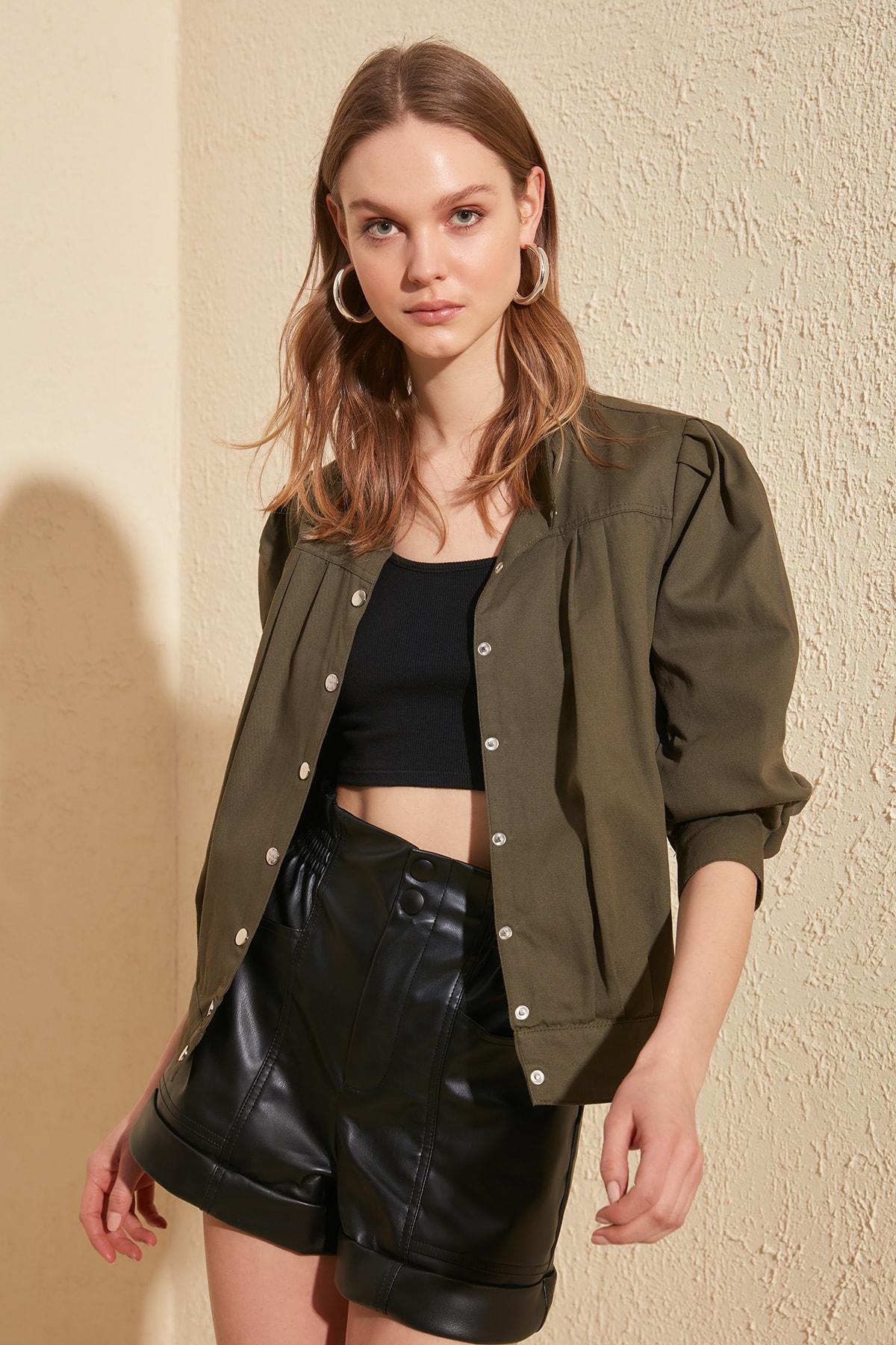 Trendyol   Basic     Jacket   TWOSS20CE0130