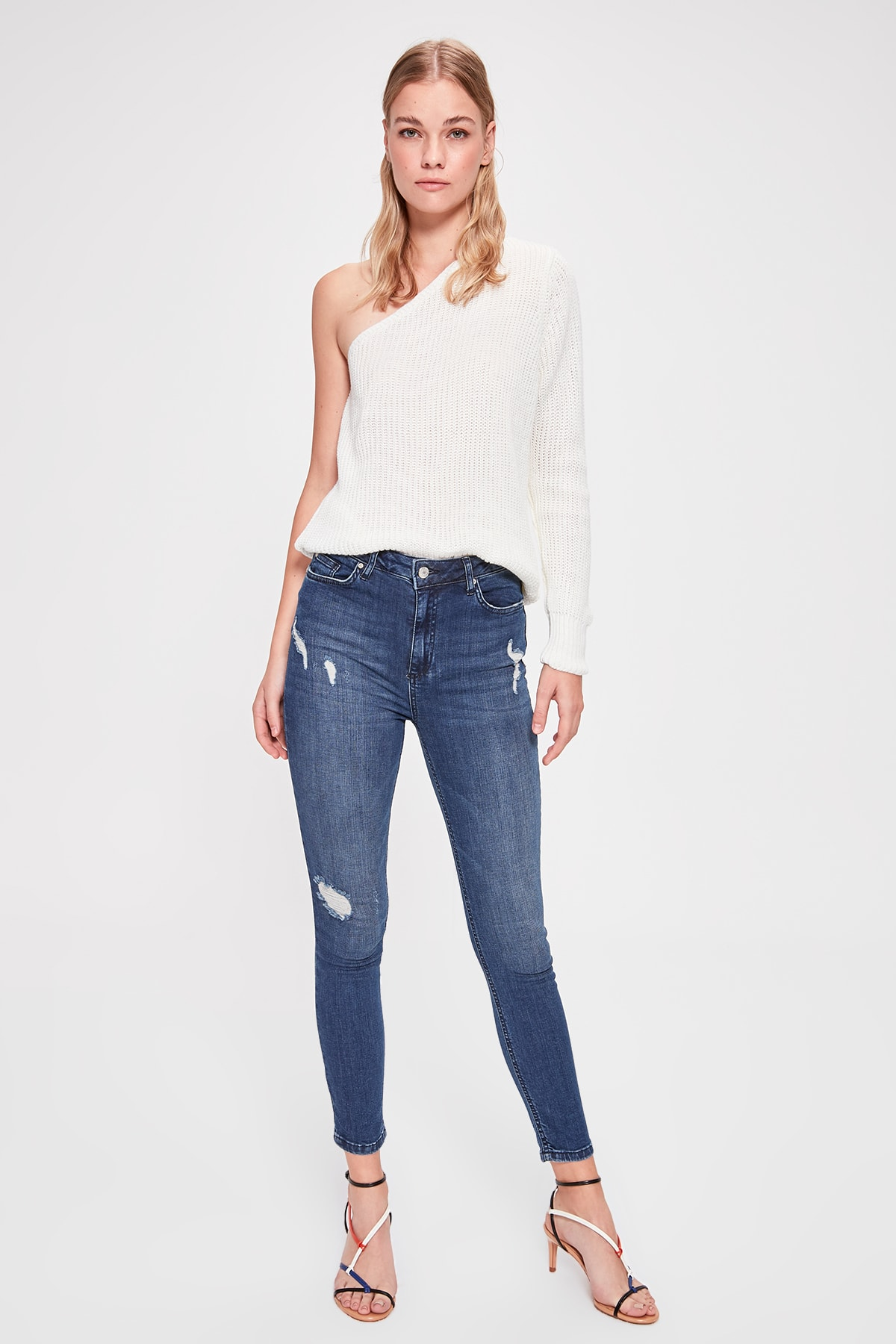 Trendyol Yırtıklı Normal Waist Skinny Jeans TWOAW20JE0200