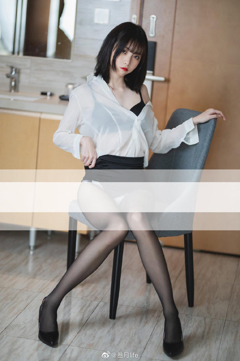 好标准的OL呀@许岚LAN 这么漂亮的腿不登三轮可惜了!插图9