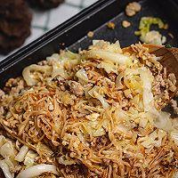 超级好吃的泰式小吃猪肉末炒方便面的做法图解17