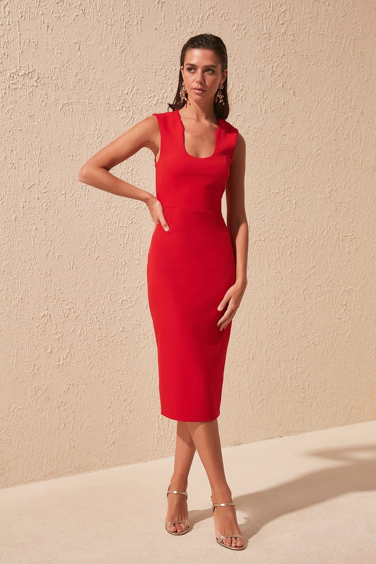Trendyol Collar Low-Cut Dress TPRSS20EL1435