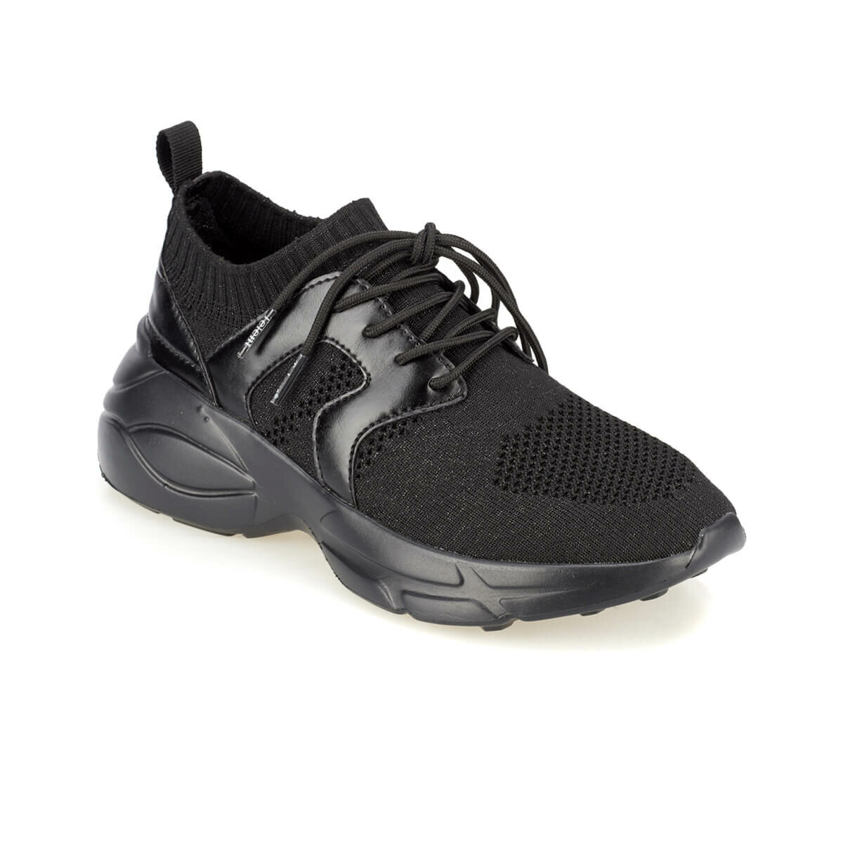 FLO ALEXIS Black Women 'S Sports Shoes KINETIX