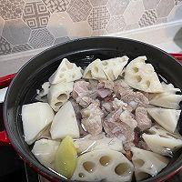 秋冬滋补——莲藕花生排骨汤的做法图解6