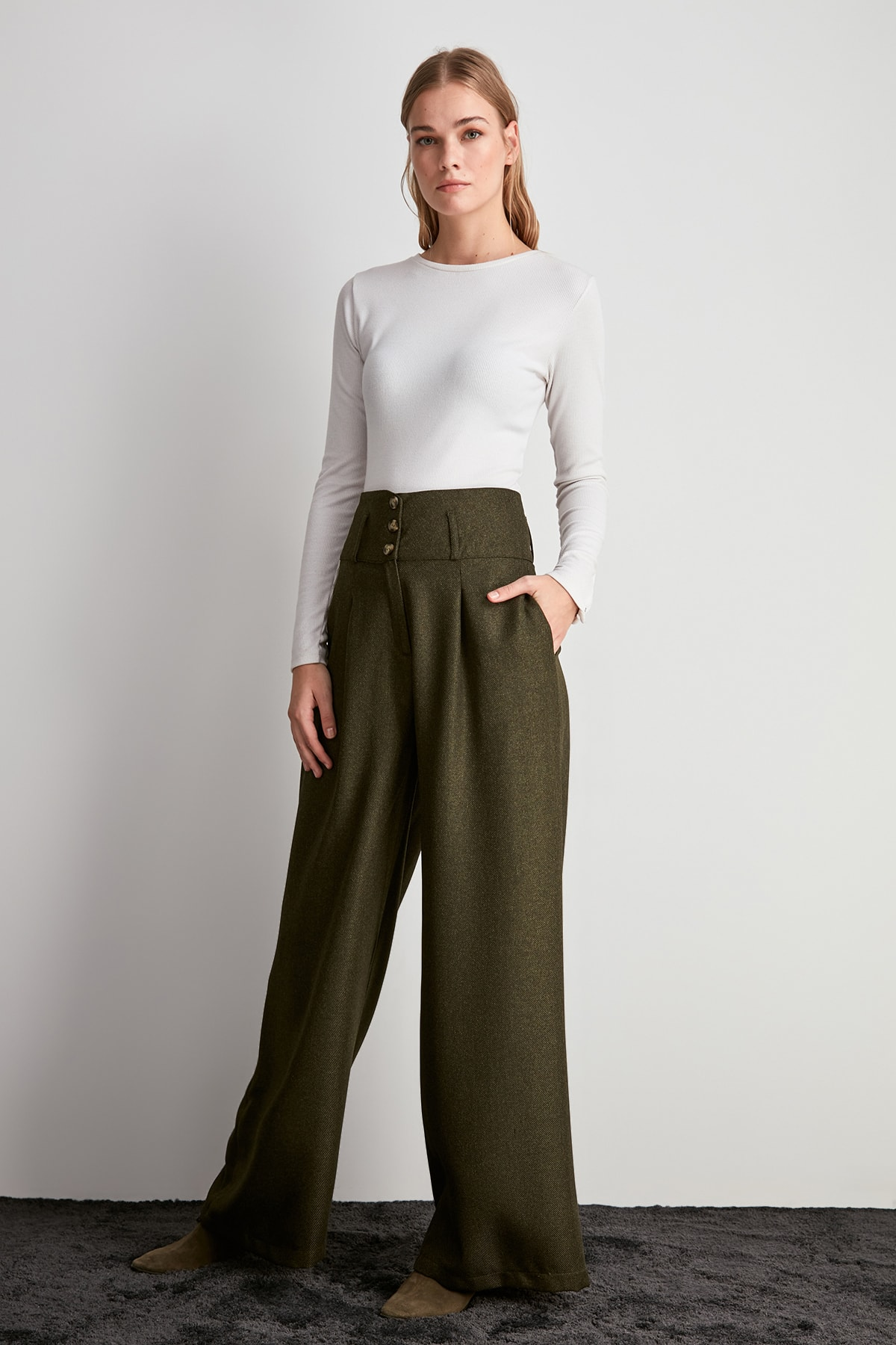 Trendyol Flare Pants TWOAW20PL0506