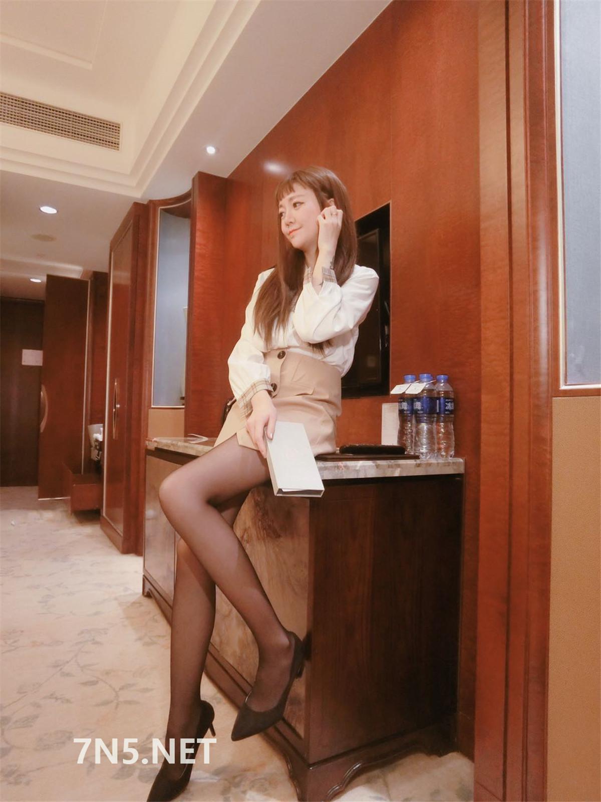 丝足博主@杨大乐很靠谱微信朋友圈图片视频合集[368P15V/161MB]